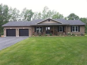 $359,900 15551 Manning Rd. Beautiful new country home! Cornwall Ontario image 1