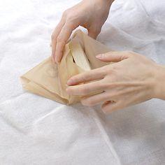 ワックスペーパーでのサンドイッチの包み方