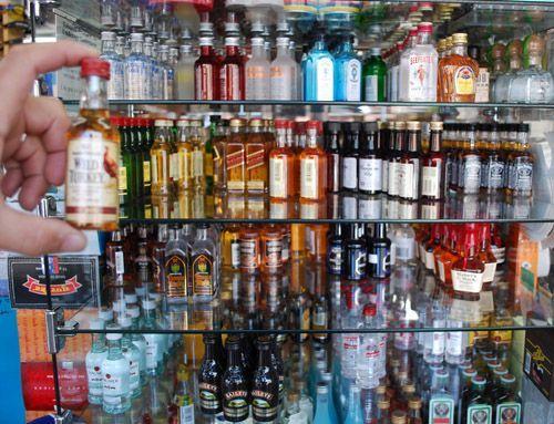 25+ unique Mini alcohol bottles ideas on Pinterest ...