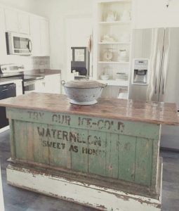 20 Farmhouse Kitchens - These are AMAZING! http://ablissfulnest.com/