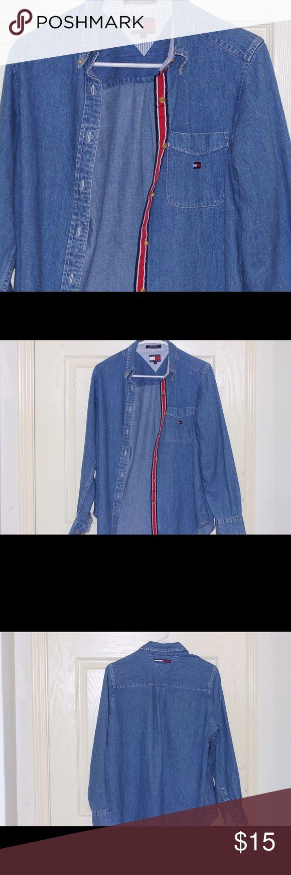 ❗️VINTAGE TOMMY HILFIGER JEAN SHIRT/JACKET❗️ Good condition, vintage look. Tommy Hilfiger Sweaters
