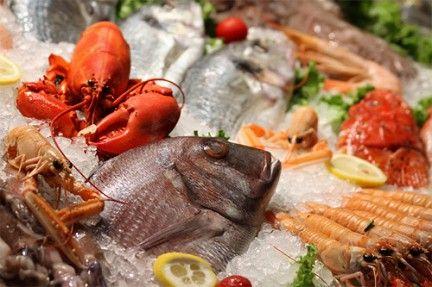 За время многолетнего знакомства «лицом к лицу» с подводными обитателями Майкл Смит познал все тонкости рыбной кухни. Некоторыми из своих фирменных приемов шеф-повар решил поделиться с настоящими ценителями рыбы.