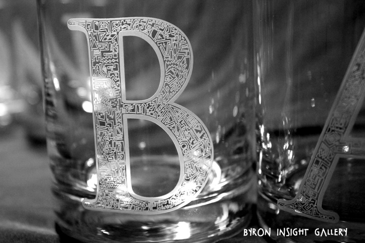 Close up of B of Byron Bay etched, sandblasted into crystal tumblers