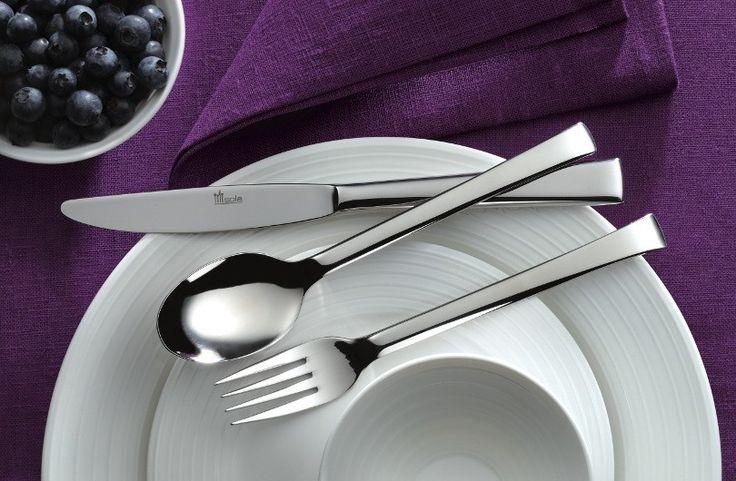 Sola Amazone bestek heeft een moderne en minimalistische vormgeving. De bestekset voelt Scandinavisch aan met zijn strakke, rechte lijnen en past zowel bij een moderne als nostalgische inrichting. Kijk hier: http://bestekaanbieding.nl/bestek/sola-bestek/amazone-bestek.html