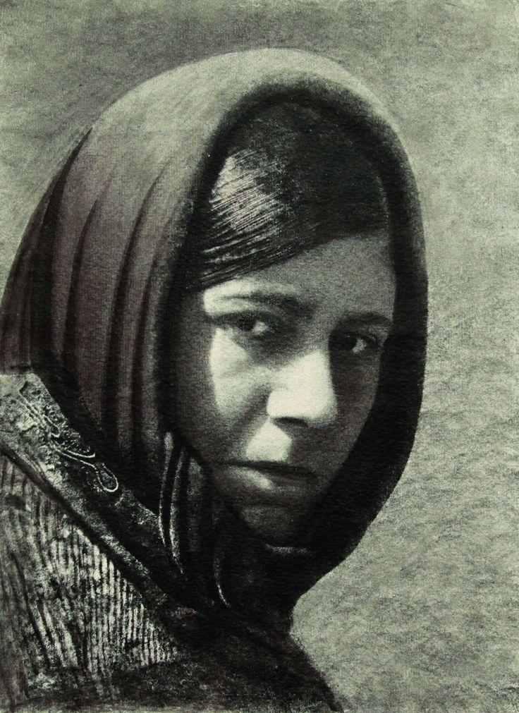Domenico Riccardo Peretti Griva, Donna sarda, ante 1933  Stampa al bromolio trasferto  Collezione Museo Nazionale del Cinema