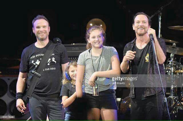 Eddie and his daughters. Love Jeff big smile!
