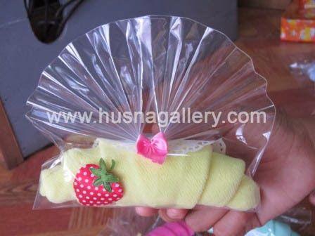 souvenir handuk Towel Cake croissant Strawberry