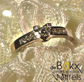 Volonte ring | €1495 0,30ct diamant | Wit gouden ring 14 karaat #verlovingsringen #aanzoekringen #jdbw #goudenverlovingsringen