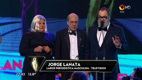 """Martín Fierro 2014:Jorge Lanata El conductor de """"Periodismo para Todos"""" se llevó la estatuilla por su programa de Canal 13."""