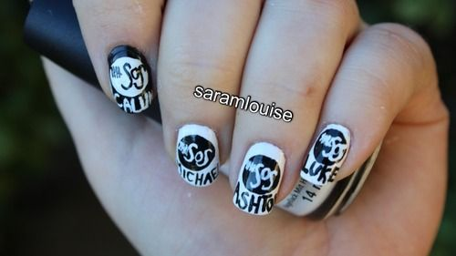 5sos (5 Seconds Of Summer) Nails. Then it would be cool to have the safety pin heart on the thumb...