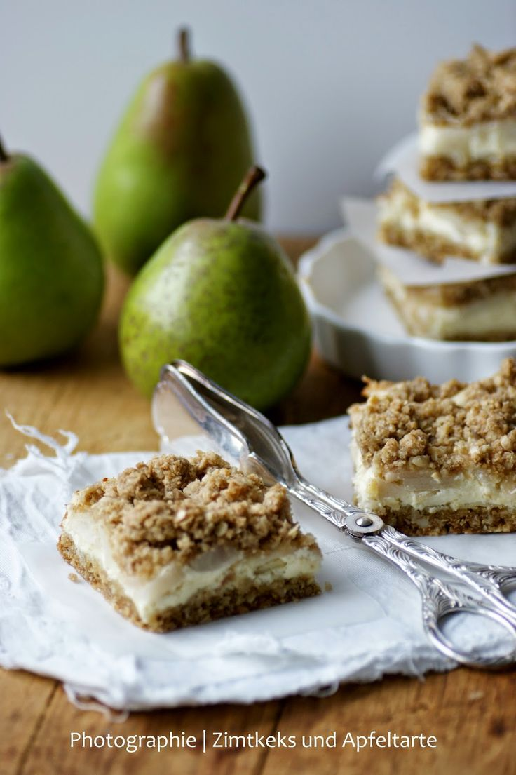 Birnen-Cheesecake mit Crunchy-Streuseln Pear-Cheesecake with Streusel