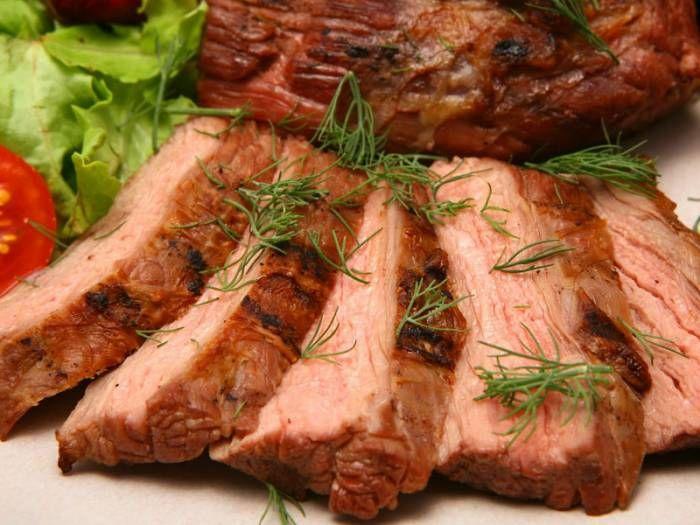 Мясо в духовке к новогоднему столу