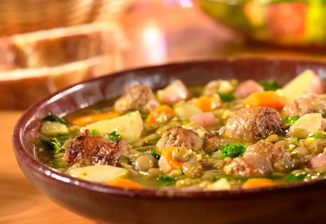 Looking for a cozy dish to warm you up on a cool day?  Try this savory, Tuscan-style stew that features flavorful sausage and colorful vegetables - it's as comforting as your favorite sweater.