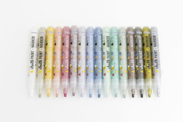 Tenemos una gran noticia....crece nuestra familia Chalk Paint.  Descubre el nuevo Chalk Paint Marker, el rotulador con pintura Chalk Paint, disponible en 16 colores.Para todo tipo de superficies y decoraciones. Toda la info aqui: http://www.lapajarita.es/ver/66859/Chalk-Paint-Marker-.html Y en breve tendremos disponible la pintura Chalk Paint en formato spray....¡no te lo pierdas!