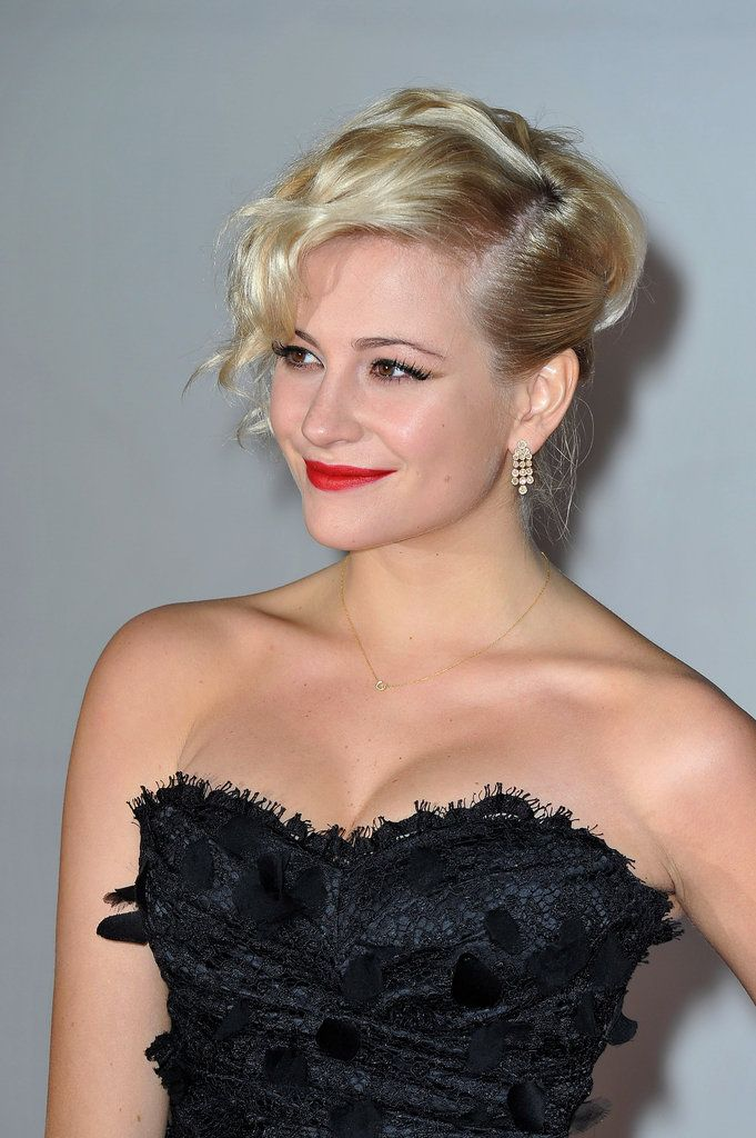 Pixie Lott went edgy for the 2012 BRIT Awards with this glamorous, wavy, up-do