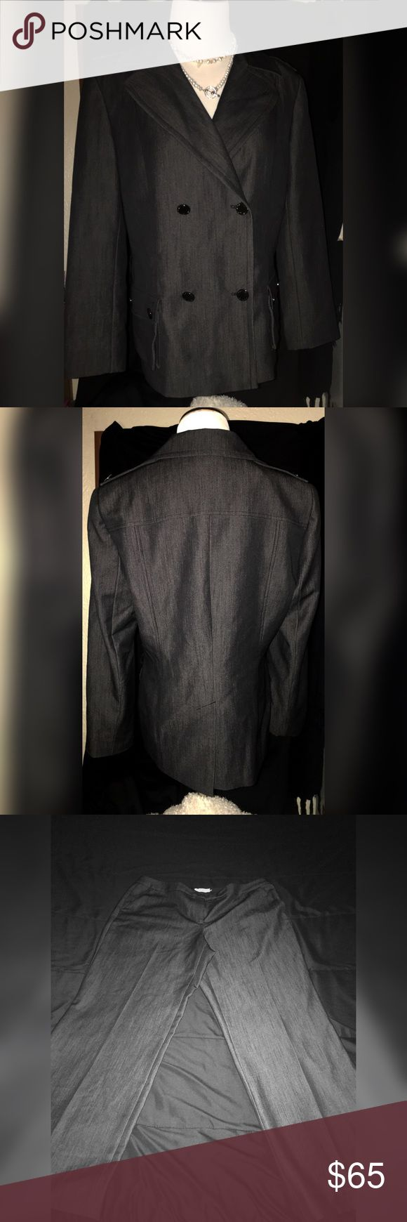 Calvin Klein Women's 2 Piece Suit (Dark Gray) This suit has only been worn once for an interview. It is in great condition and ready to be shipped! It's true to size and very comfortable. If you would like more detailed pictures please don't hesitate to ask. Shipping may exceed 5 pounds. The pants look lighter because I had to use a flash. They are the same color as the jacket. Go steal the show at your next business meeting! This suit is for making moves!!🤙 Calvin Klein Other
