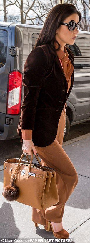 Catherine Zeta-Jones exudes old Hollywood glamour #dailymail