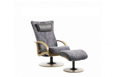 Delta Spinn stol chair sheepskin grey with footrest oak norwegian design brunstad www.helsetmobler.no