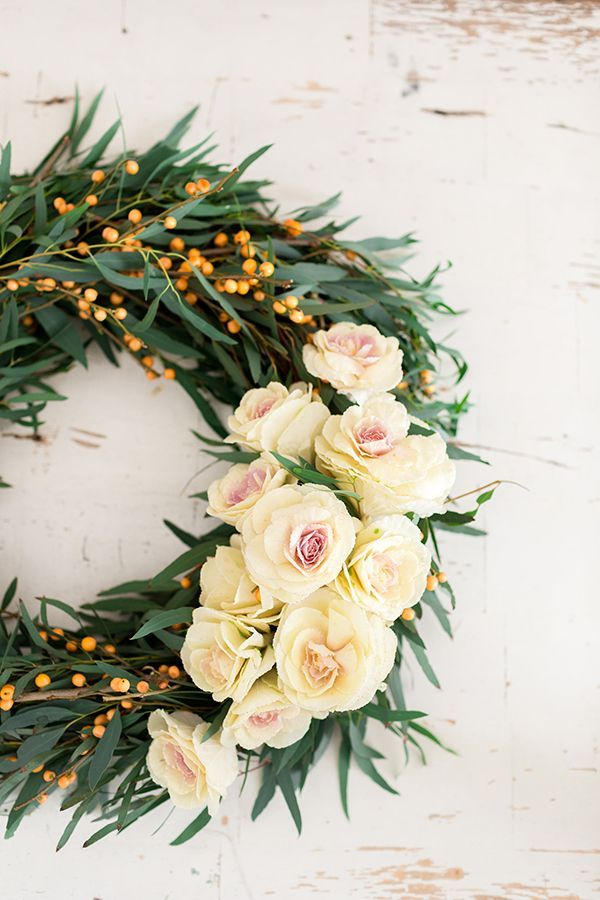 DIY: 4 Gorgeous Holiday Flower Wreaths