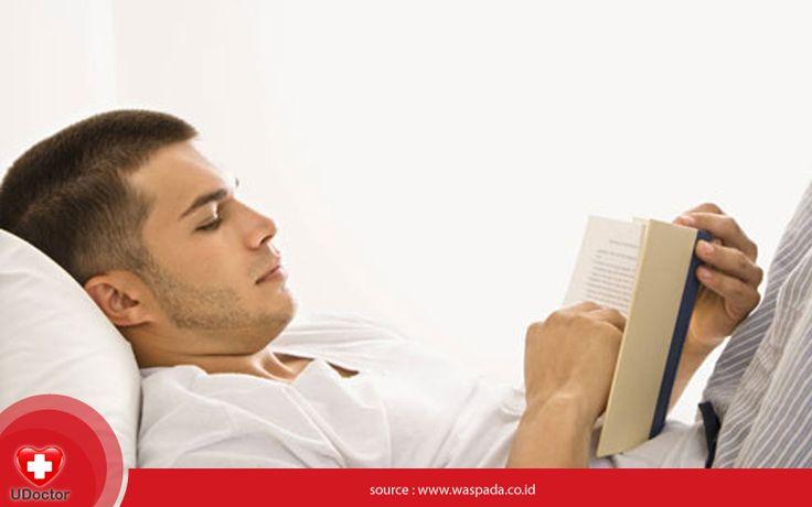 Membaca buku sebelum tidur boleh saja, UDoctorians. Asalkan hal tsb tidak mengganggu jam tidur kamu seharusnya :)