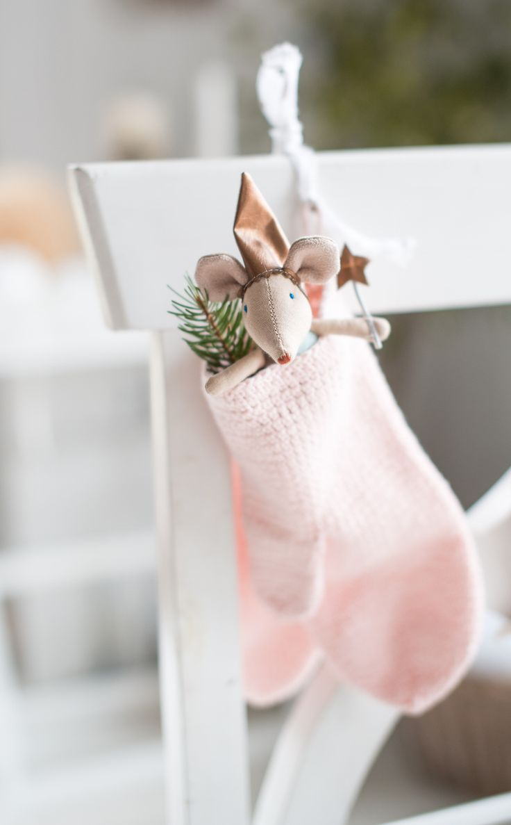 Mouse in a pastel pink mitten, cute! Could buy baby mittens & put toys in? For J x