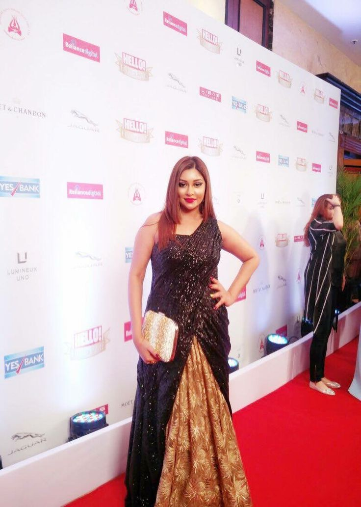 Payal ghosh looks elegant in outfit by Richa Ranawat for an award event