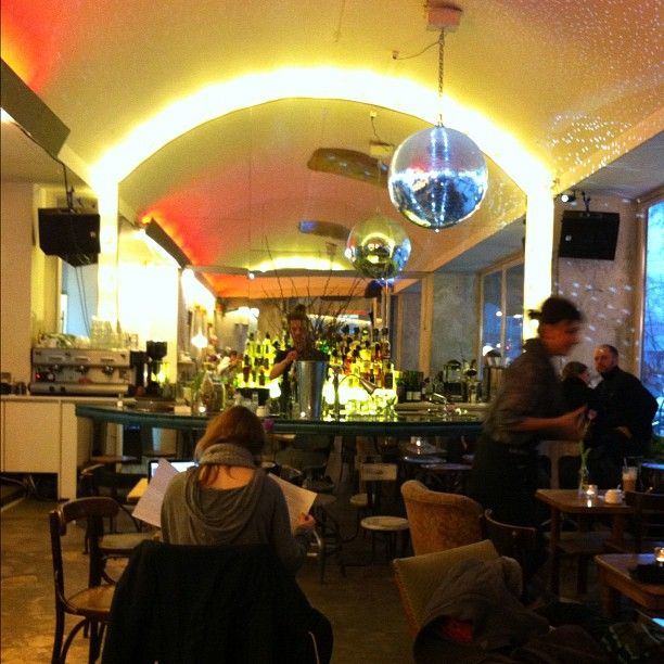 Más de 25 ideas increíbles sobre Offener sonntag berlin en Pinterest - cafe mit buchladen innendesign bilder