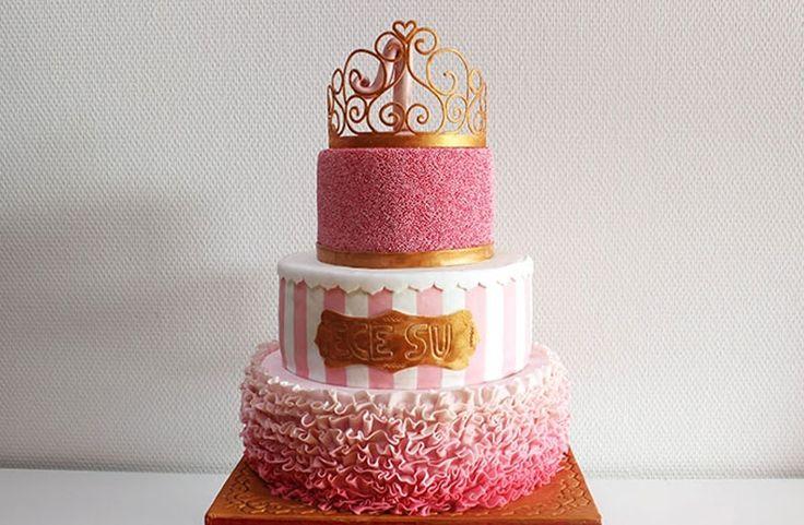 Prinzessinnen-Torte zum 1. Geburtstag mit Erdbeer-Buttercreme