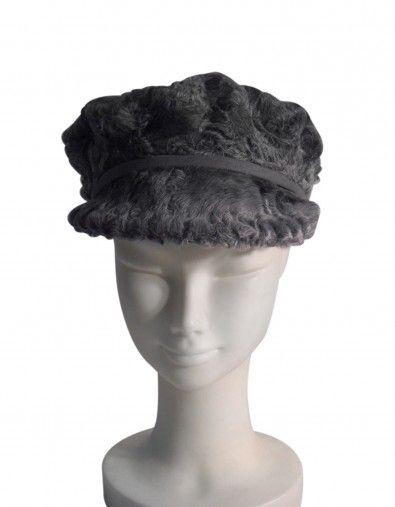 Cappello in persiano grigio,    Prodotto 100% made in Italy.    Lavorazione artigianale interamente a mano  effettuata completamente nel nostro laboratorio seguendo i più alti standard qualitativi italiani, dalla creazione del modello alle finiture