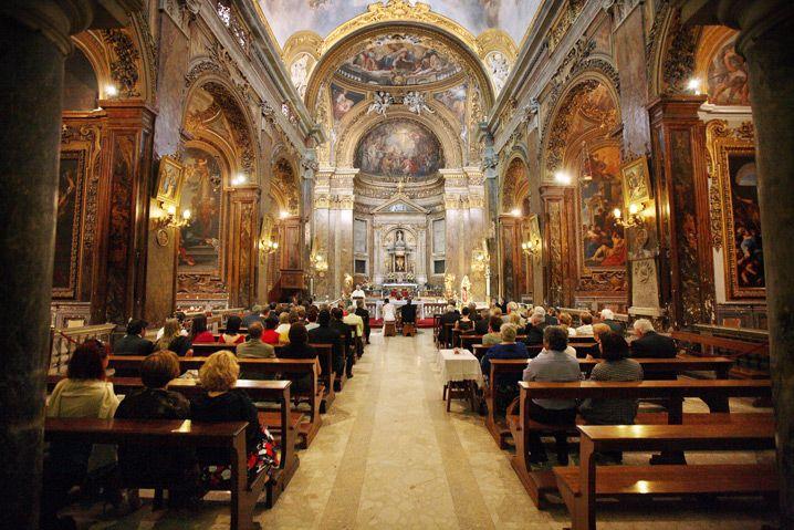 Getting married in rome - catholic wedding