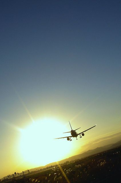 airplane landing by Kossy@FINEDAYS, via Flickr