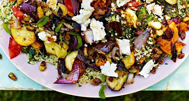 Gegrilde groenten van de bakplaat met Feta en Tabouleh
