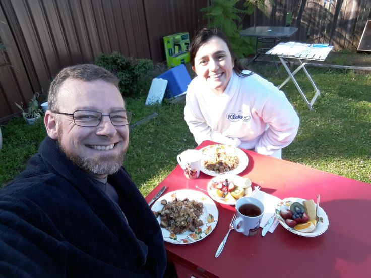 1st breakky outside at our new house!