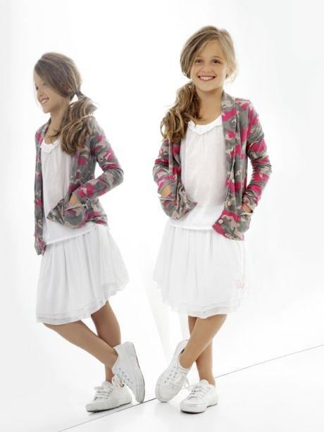 Deha ropa informal con toque deportivo para niñas http://www.minimoda.es