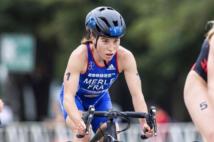 Audrey MERLE - Une championne du monde de triathlon à l'UM. Étudiante en sciences et techniques des activités physiques et sportives à l'Université de Montpellier (STAPS, L3), vient de décrocher le titre de championne du monde de triathlon.