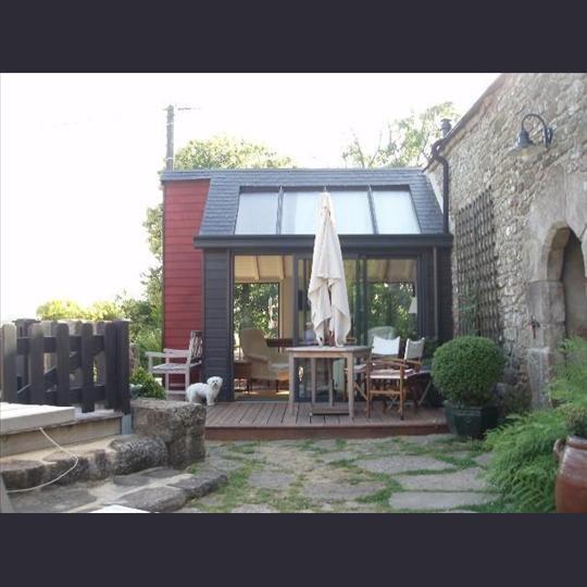 Extension maison verriere bois terrasse en bois sur extension verriere et ardoises house - Extension cuisine sur jardin ...