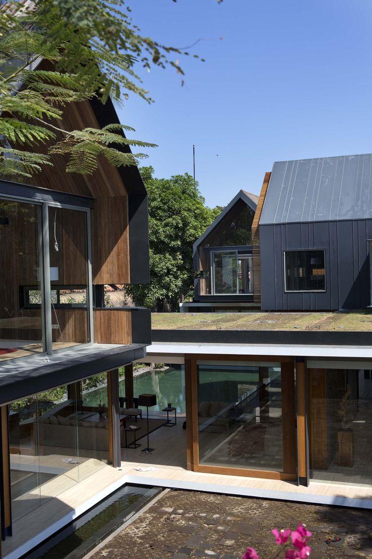 Gallery of Svarga Residence / RT+Q Architects - 14