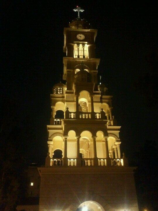Αγία Φωτεινή (Μητροπολιτικός Ναός) στην πόλη Νέα Σμύρνη, Αττική