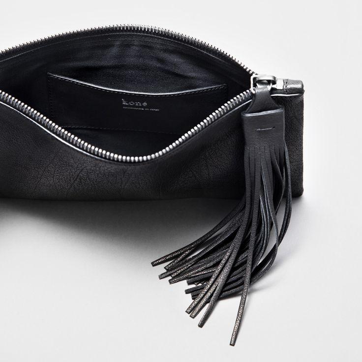 yvonne-kone-gladiator-heels-sandals-fashion-style-clutch.jpg 1,000×1,000픽셀