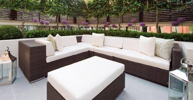 Helen Green - Garden seating area