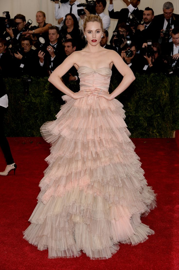 Suki Waterhouse in Burberry at the Met Gala