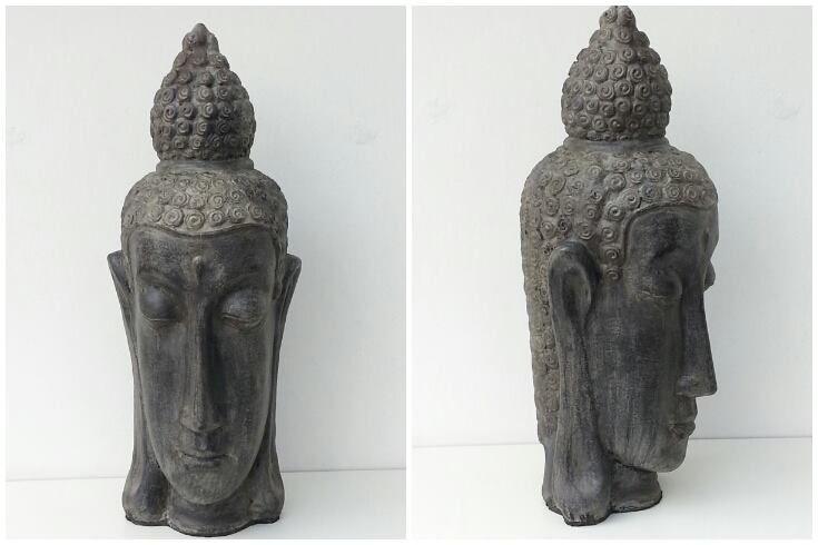 Buddha hoofd van steen. Beeld van lava-steen-composiet wat gemaakt is in Yogyakarta.   Afm. 68 x 24 x 25 cm € 45,00  www.facebook.com/stoeruhzaken.nl