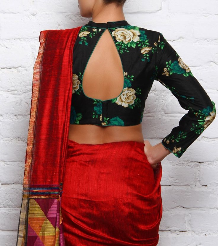 At Divya Kanakia Designs, the label is passionate about Indian hand embroidery and the vintage Indian aesthetic.
