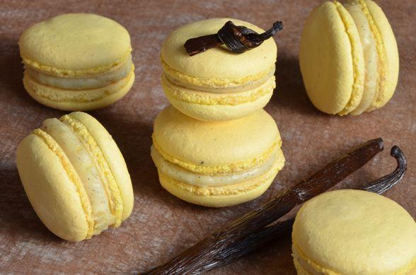 Recette de macarons à la vanille, avec une ganache vanille de Christophe Felder. Très bien équilibrés, ils sont vraiment délicieux à déguster ou à offrir.