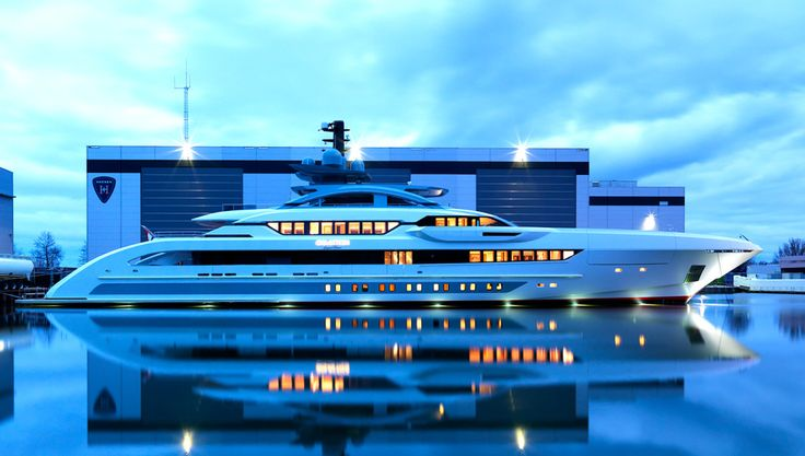 The sporty, speedy yacht can reach a top speed of nearly 30 knots…