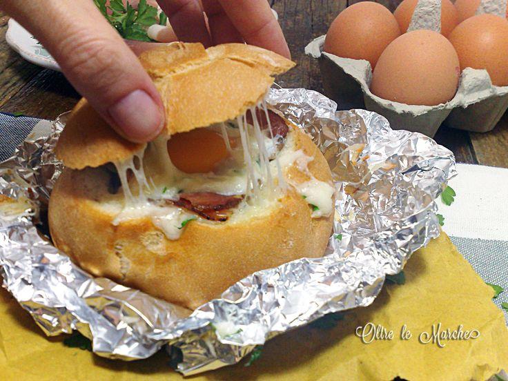 #panino ripieno con #uova e #formaggio