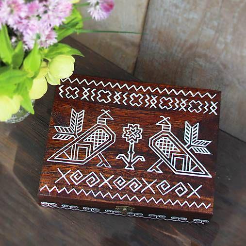TalkFolk / Ručne maľovaná šperkovnica Čičmany