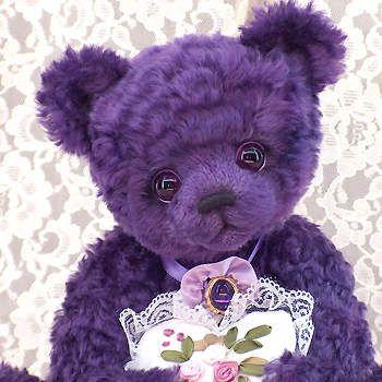 Lila Teddybär