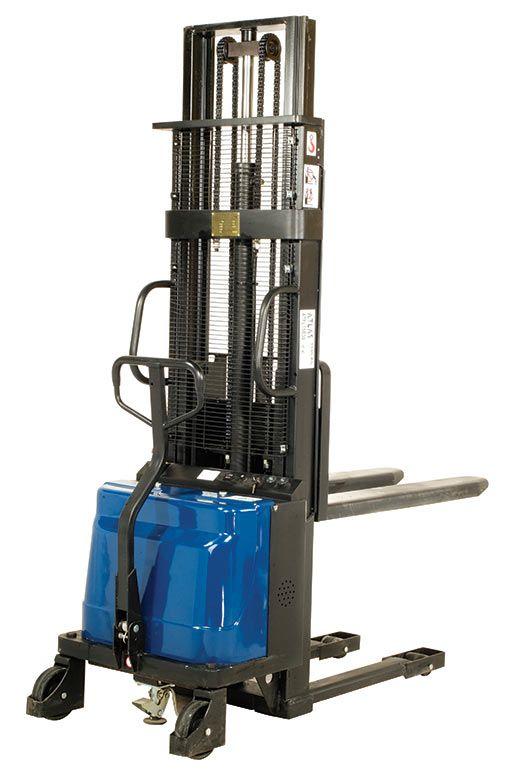 Yarı akülü istif makinası ATLAS ATFL15B30 model. Yarı akülü istif makinası 1.5 ton kapasitelidir.  http://www.ozkardeslermakina.com/urun/yari-akulu-istif-makinasi-atlas-atfl15b30/ #atlas #istifmakinesi #istifmakinasi #stacker #sanayi #depo #warehouse