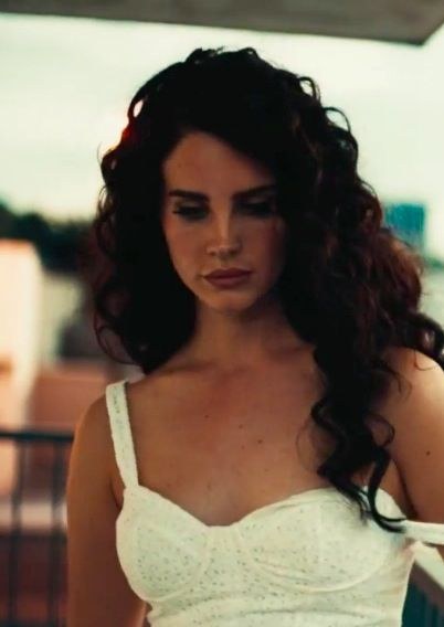 I love Lana's hair in her Ride video. Actually, I love everything about her in this video. <3